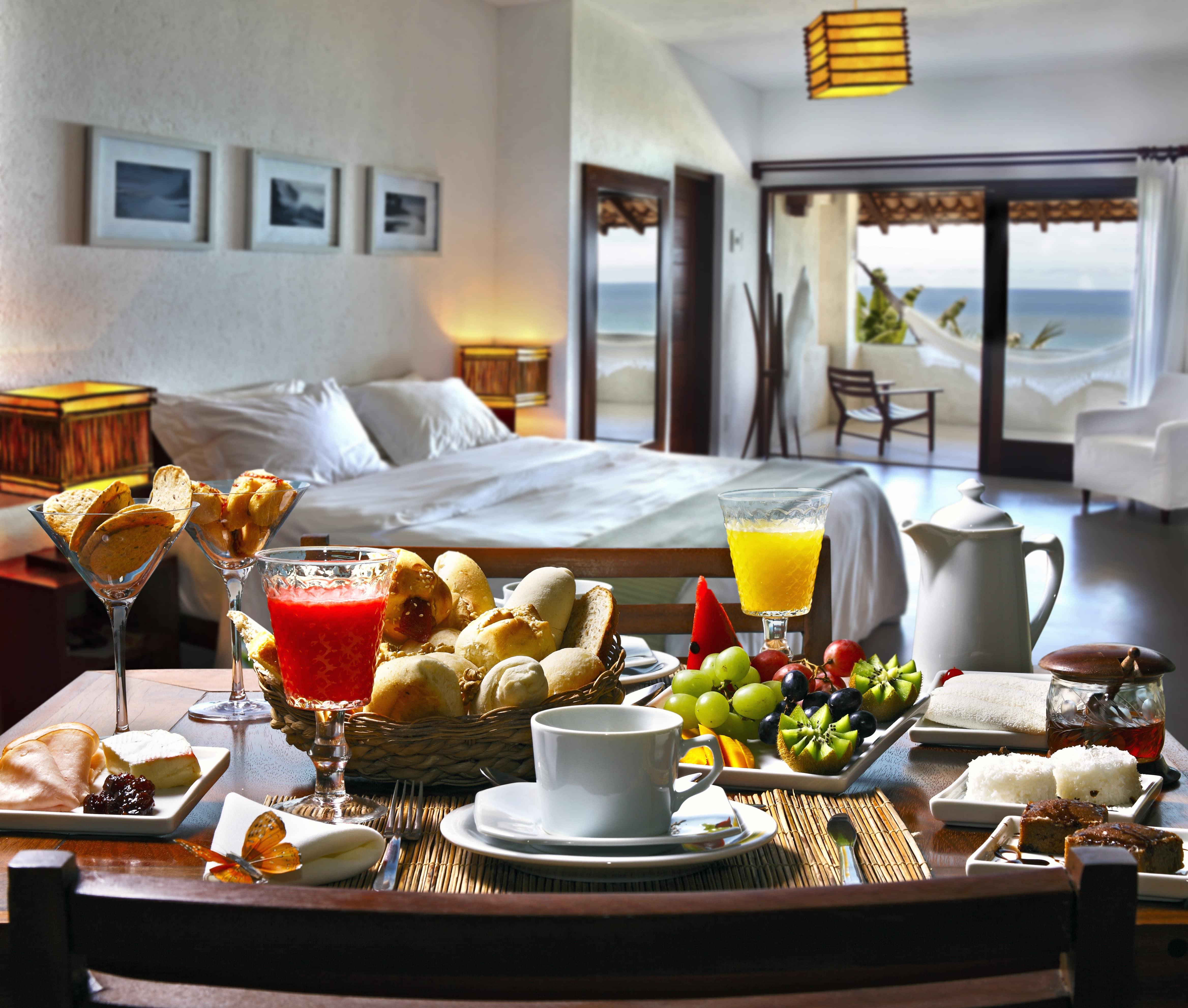 Room & Meals